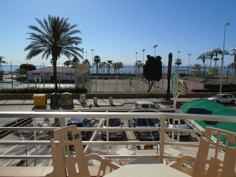 A&N Nevada 1, primera línea de playa, junto al Faro de Torre, holiday rental in Torre del Mar