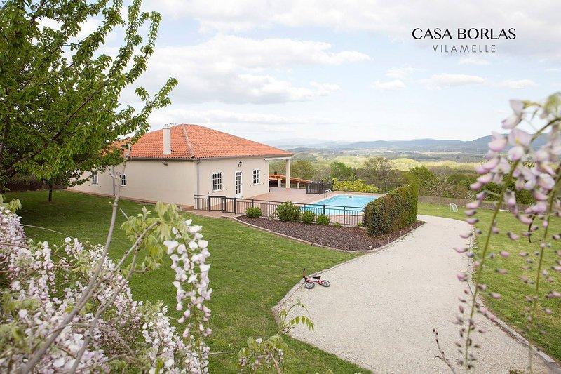 Country House in the Heart of Ribeira Sacra, vacation rental in Outeiro de Rei
