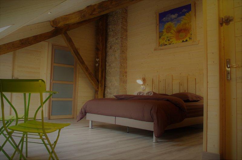 La Boucotte à Vellerot-lès-vercel / Chambre Epinette / jacuzzi et sauna, holiday rental in Sancey-le-Grand