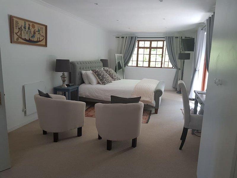 WILLOW BROOKE GUEST SUITE, location de vacances à Franschhoek