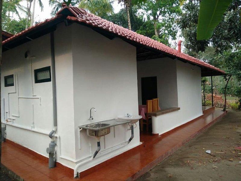 George's Liberica, Hivehomes, holiday rental in Kanchiyar