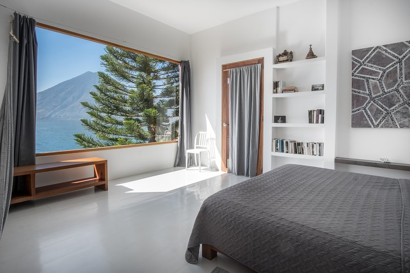 King size bedroom with lake view