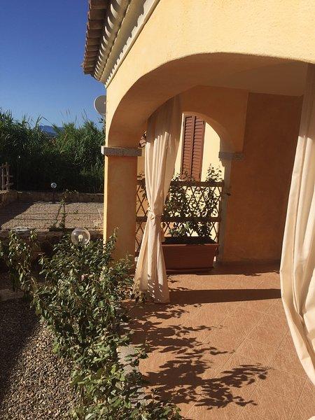 Glimpse of the entrance to the veranda