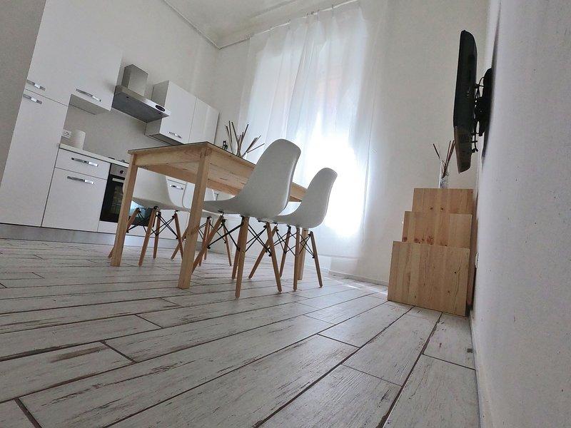 Nuovo bilocale in centro Free WIFI, vacation rental in Piombino