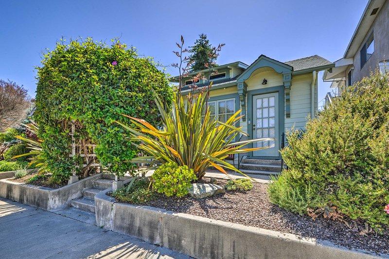 Découvrez une destination unique le long de la côte californienne dans ce cottage de vacances à Santa Cruz!
