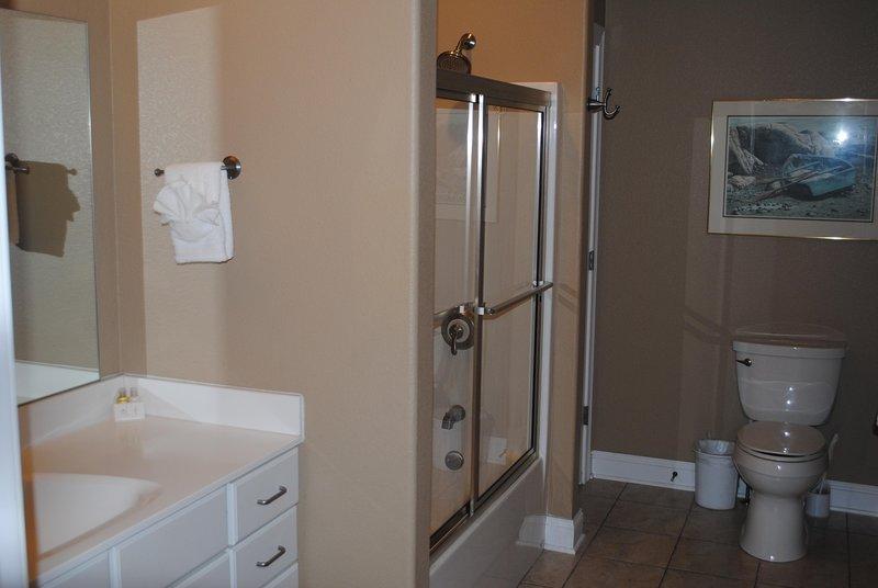Tercer cuarto de baño de Wisconsin Dells Getaways # 312