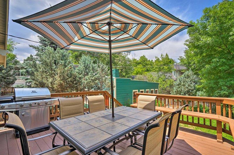 Buchen Sie Ihren Ausflug nach Colorado Springs zu diesem Ferienobjekt Haus mit 3 Schlafzimmern und 2 Bädern.