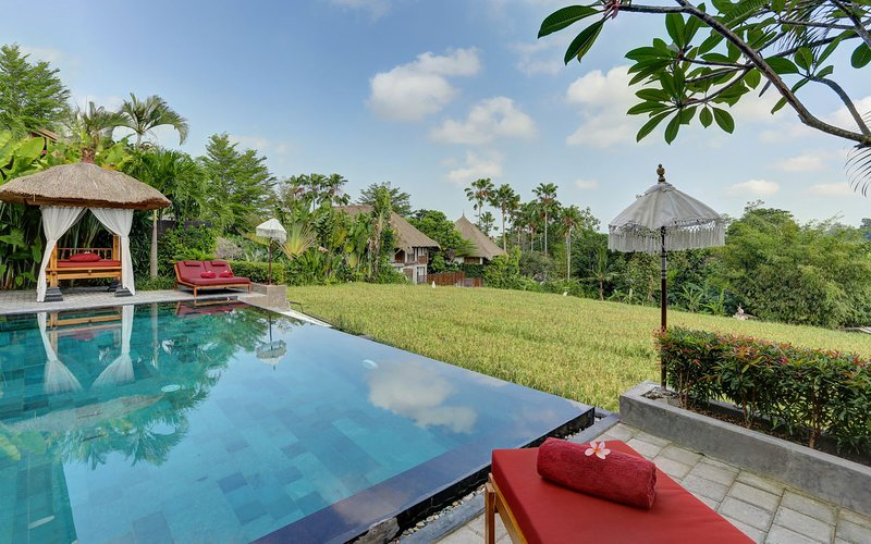 VILLA SUBAK - GORGEOUS 3 BEDROOM POOL VILLA OVERLOOKING RICE PADDY, holiday rental in Tanah Lot