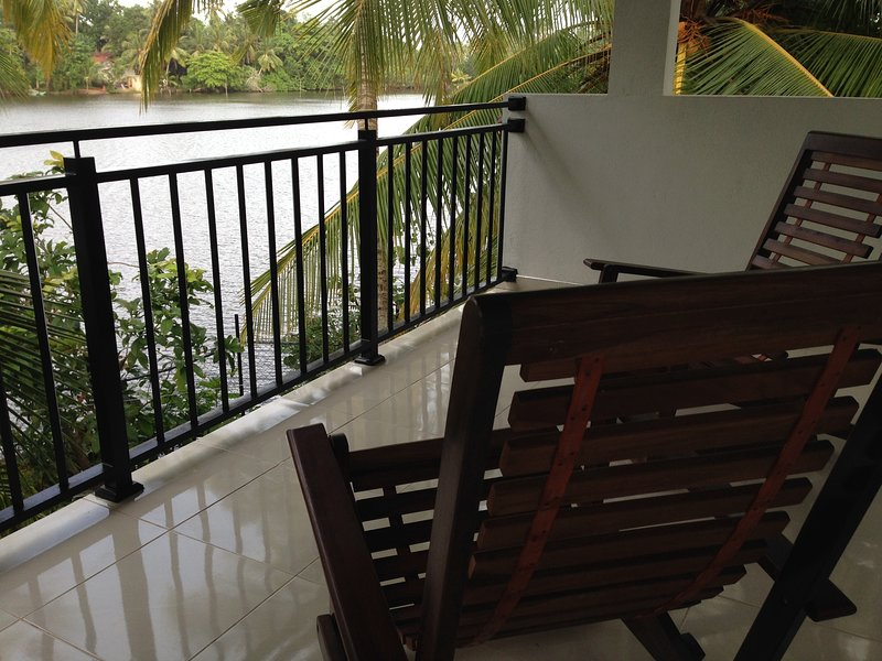 You are getting entire property for this price !, alquiler vacacional en Akurala