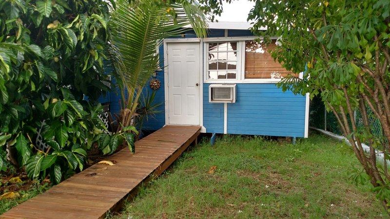 Casita Azul Fully Equipped Studio w/ Beautiful Views. Beach Gear & WIFI included, vacation rental in Culebra