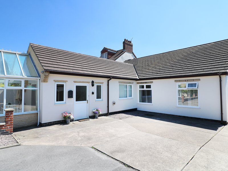 Cherry Fields, all ground floor, dog-friendly, Smart TV, Ref 962748, holiday rental in Mansfield