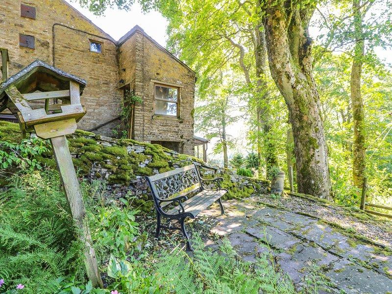 KEEPERS, romantic base, private garden, pet-friendly, in Alston, Ref. 905619, vacation rental in Garrigill