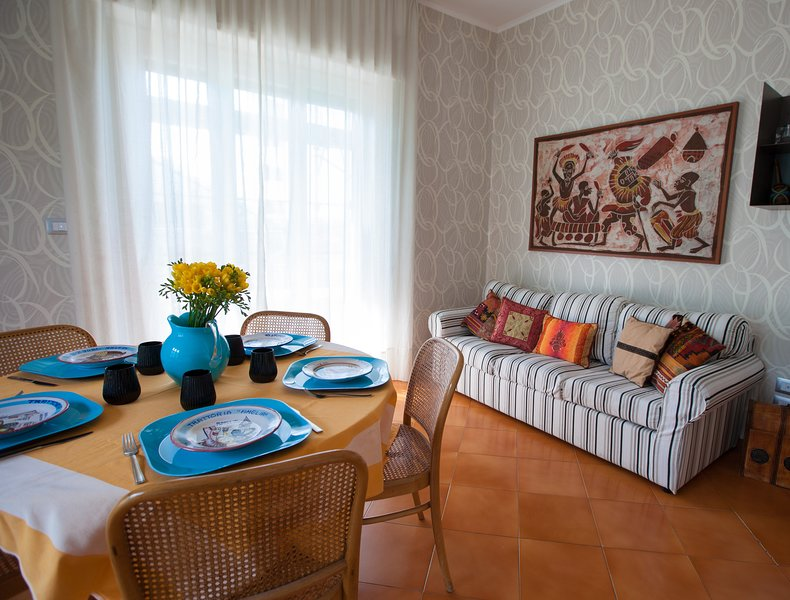 Spacious apt with sea view & Wifi, holiday rental in Castellammare Di Stabia