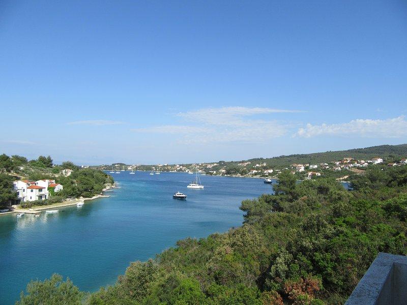 Hermosa vista al mar desde balcones.