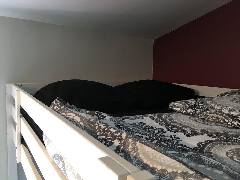 Chambre du bas (lits doubles superposés : 4 couchages)