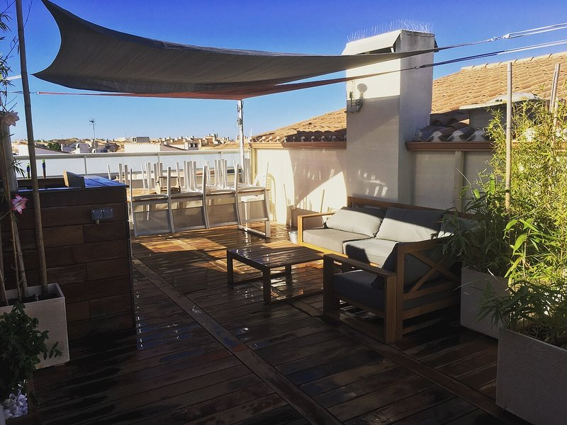 T4 Duplex Standing Centre Port/Terrasse/Wifi/Climatisé, holiday rental in Agde