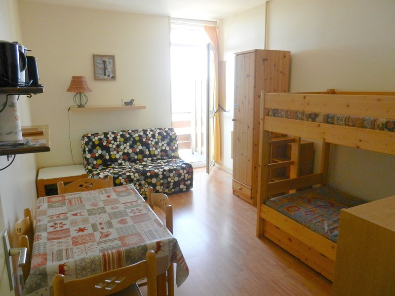 Nice studio with shared pool & Wifi, vacation rental in Allevard