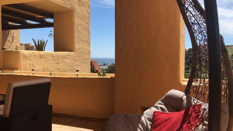 Apartment with sea view in Coto Real, La Duquesa , Manilva, aluguéis de temporada em San Luis de Sabinillas