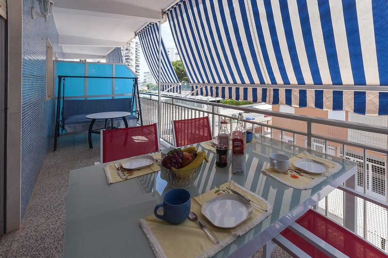 BUNDA - Apartment for 5 people in Playa Gandia, holiday rental in Grau i Platja