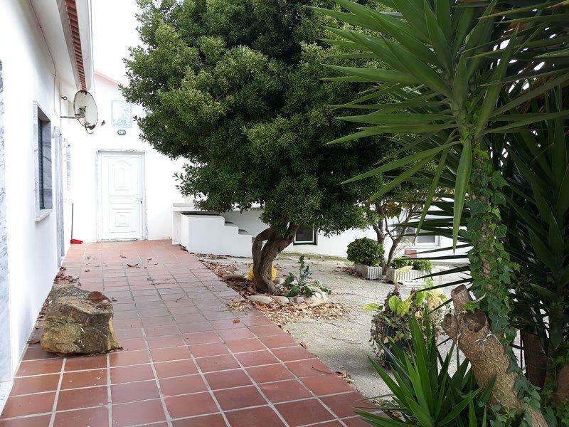 Amazing house with terrace & Wifi, holiday rental in Casais de Sao Lourenco