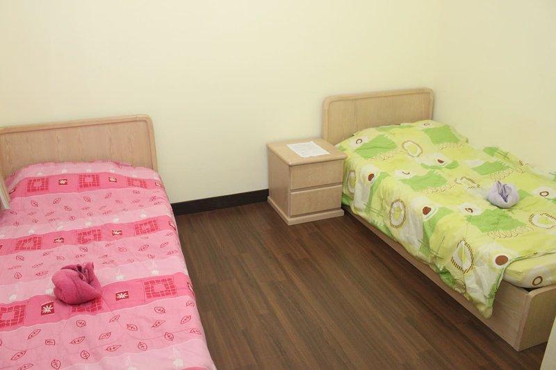 ♡ RoomStay ♡ BR3 - 2 Pax - Sri Utama Condominium, holiday rental in Sandakan Division