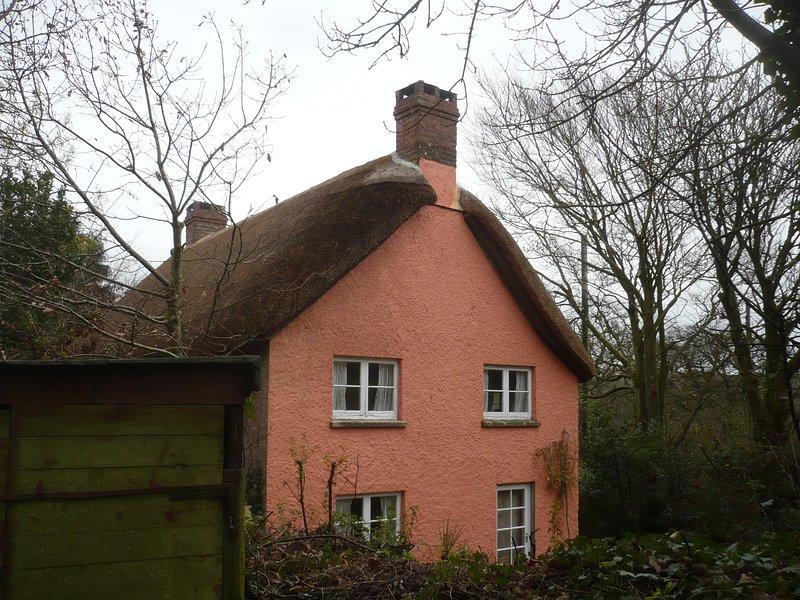 Borrowers' Thatched Cottage, location de vacances à Welcombe