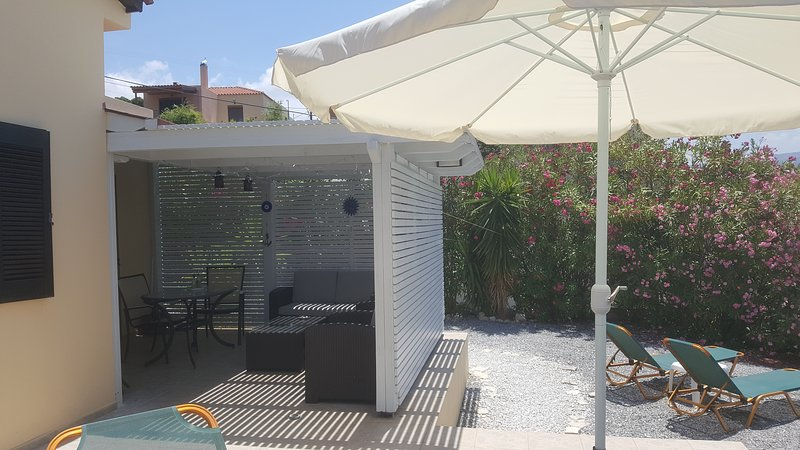 Private spacious detached Villa with Sea and Country Views, vacation rental in Stavromenos Rethymnis