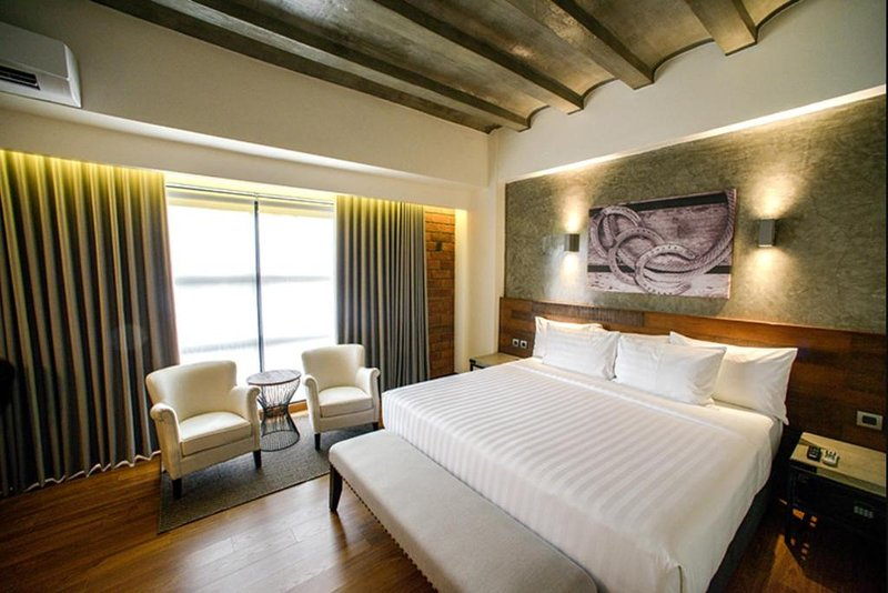 Deluxe King Room #3 Double M Hotel, vacation rental in Bukidnon Province