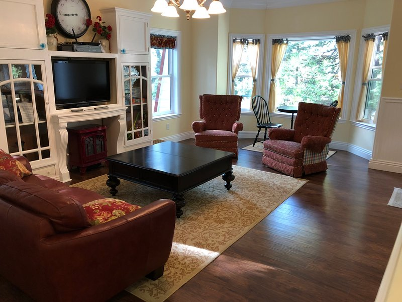 Carriage House Home Away From Home, holiday rental in Fish Camp