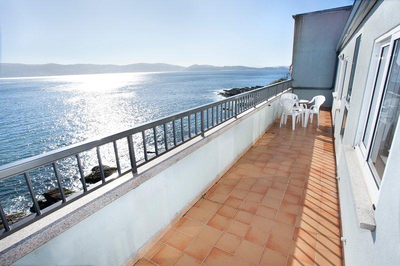 Apartment - 2 Bedrooms with Sea views - 106969, holiday rental in Portonovo