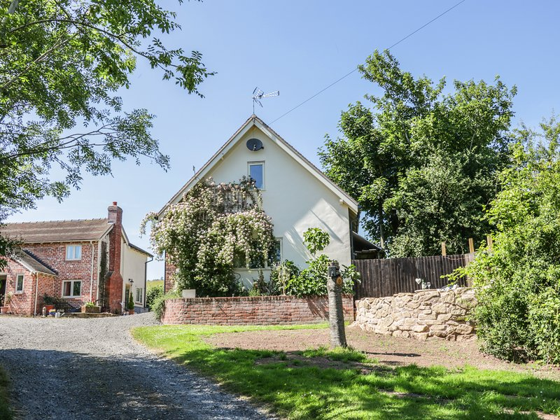 THE LOFT, open plan, countryside, in Westbury, Ref. 952919, holiday rental in Pontesbury