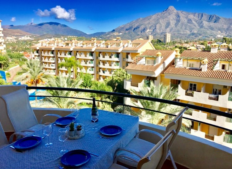 Nueva Andalucia: 3 bedroom, 4 bathrooms! (Full refund If lock down!) – semesterbostad i Puerto Banus