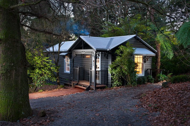 Leddicott Cottage, casa vacanza a Mount Evelyn
