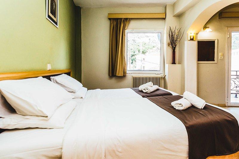 Designer Suite Amazing View Of Meteora, holiday rental in Kalambaka