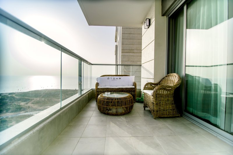 Has Ocean Views And Washer Rental In Bat Yam Israel