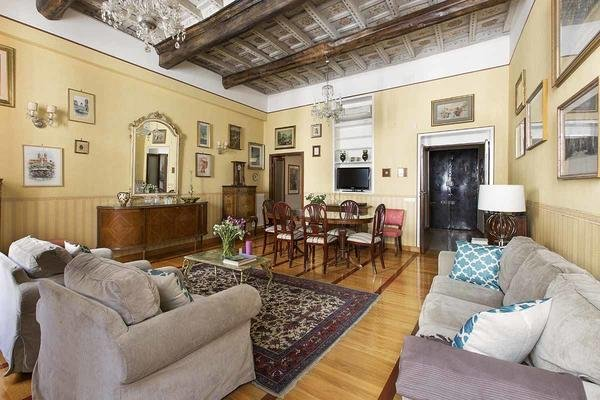01 villa medici living room2
