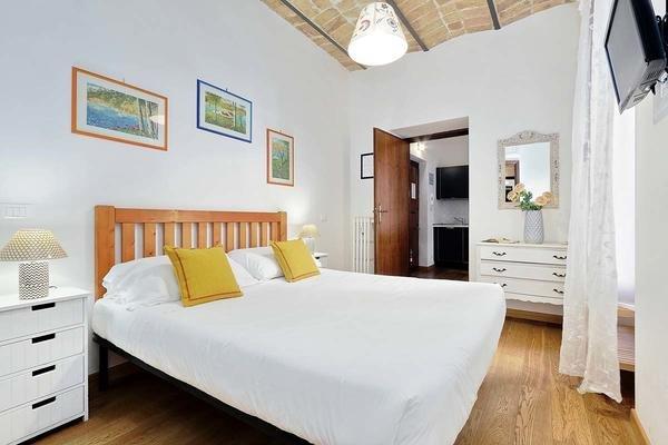 01 Giulio Cesare Double bedroom