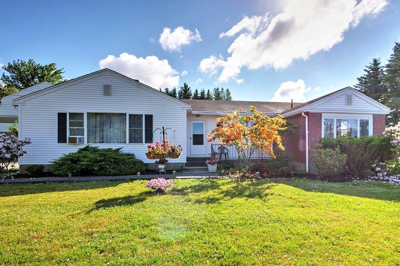 NEW! Cozy Ellsworth Home w/ Yard, 15 Mi to Acadia!, holiday rental in Lamoine