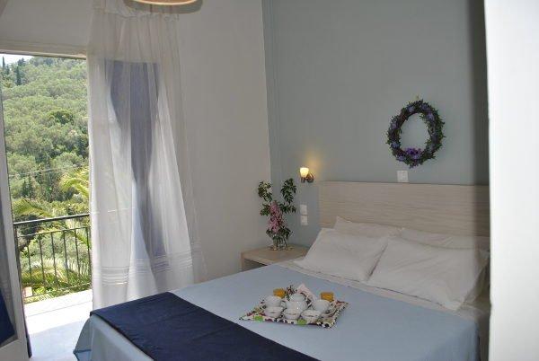 Helios Hotel : Room 8, alquiler de vacaciones en Chlomos