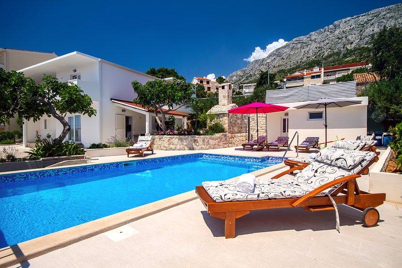 Villa Dasianda avec piscine privée, à seulement 90m de la mer