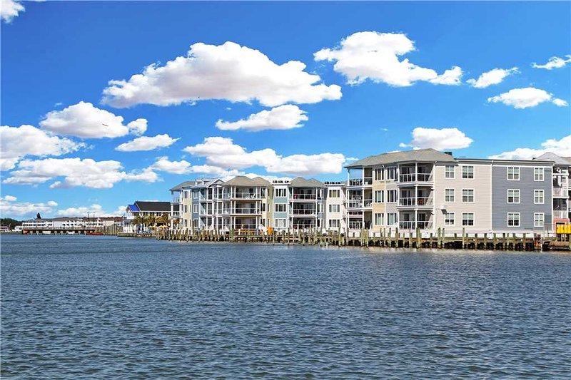 Sunset Bay Villa 101, alquiler de vacaciones en Horntown