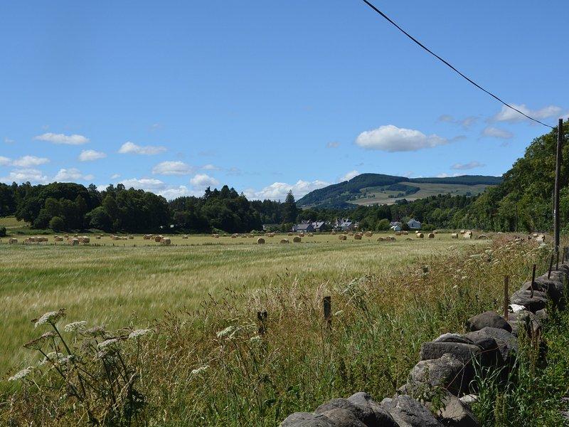 Vistas para a bonita vila de Grandtully