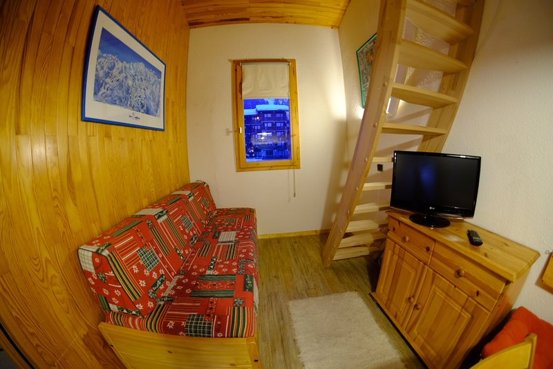 Charming 1 bed w/mezzanine, holiday rental in Meribel