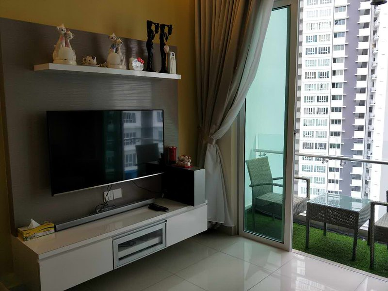 Tropez residence seaview apartment, holiday rental in Johor Bahru
