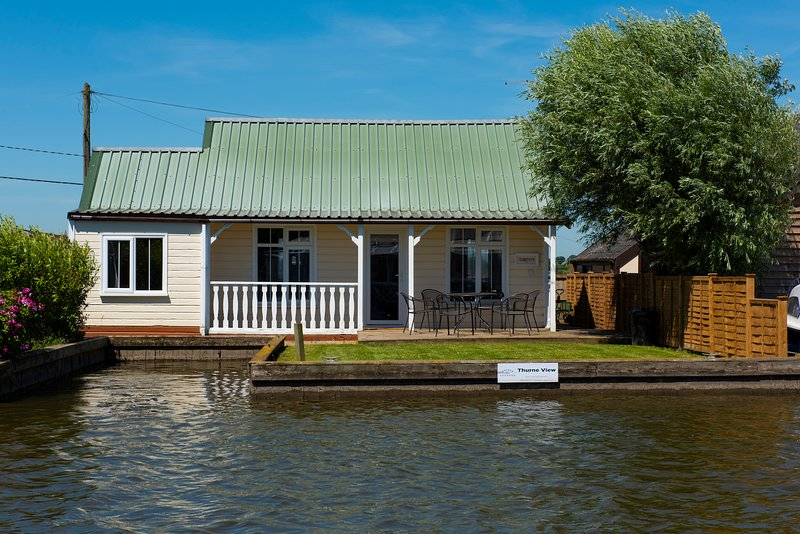 Thurne View - 3 bedroom cottage located on the River Thurne - Potter Heigham, vacation rental in Martham