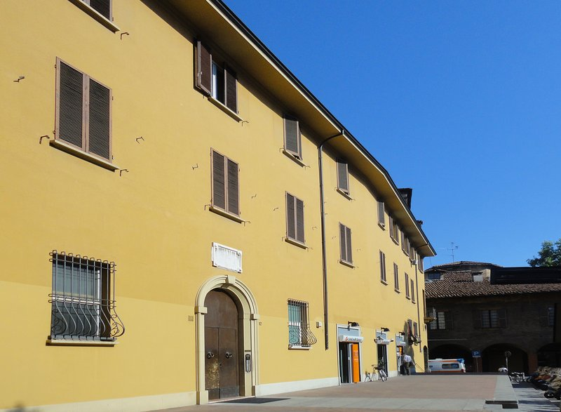 Symphony12: charming apartment in the historic centre, aluguéis de temporada em San Lazzaro di Savena