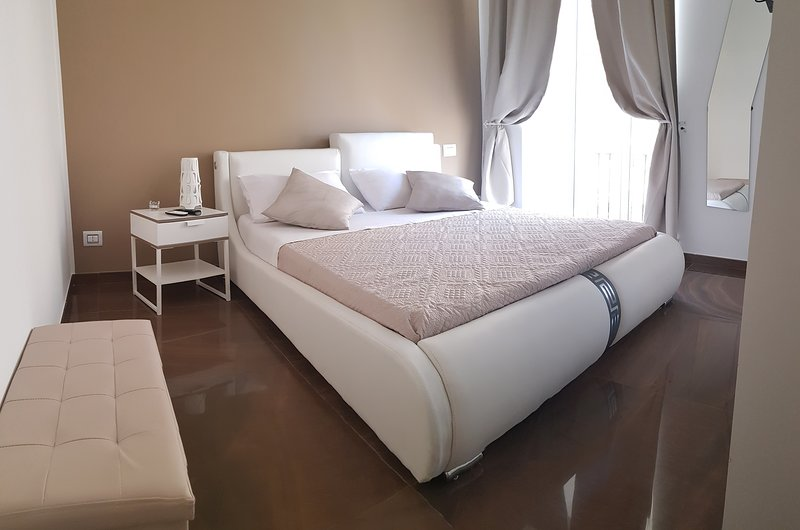 Lovely room for your romantic stay to Naples