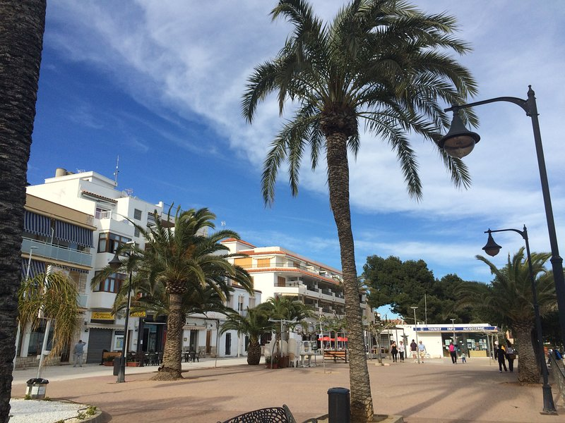 Centro Pueblo 3mn Playa, 2 hab 4+2PAX, vistas al mar aire acondicionado ascensor, casa vacanza a Alcossebre