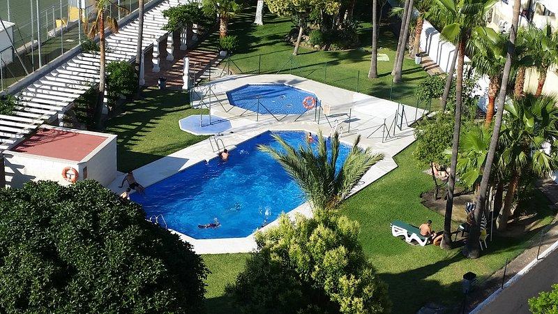 Swimming pool (Jun-Sep)