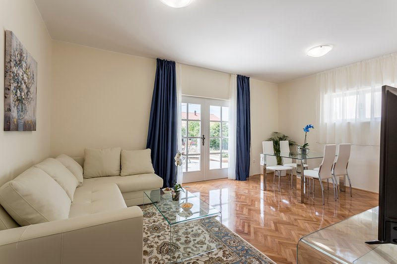 Mise Luxury Apartments, casa vacanza a Kastel Luksic